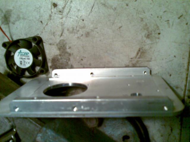 Вот что можно сделать из старого жёсткого диска, в гараже примитивно...